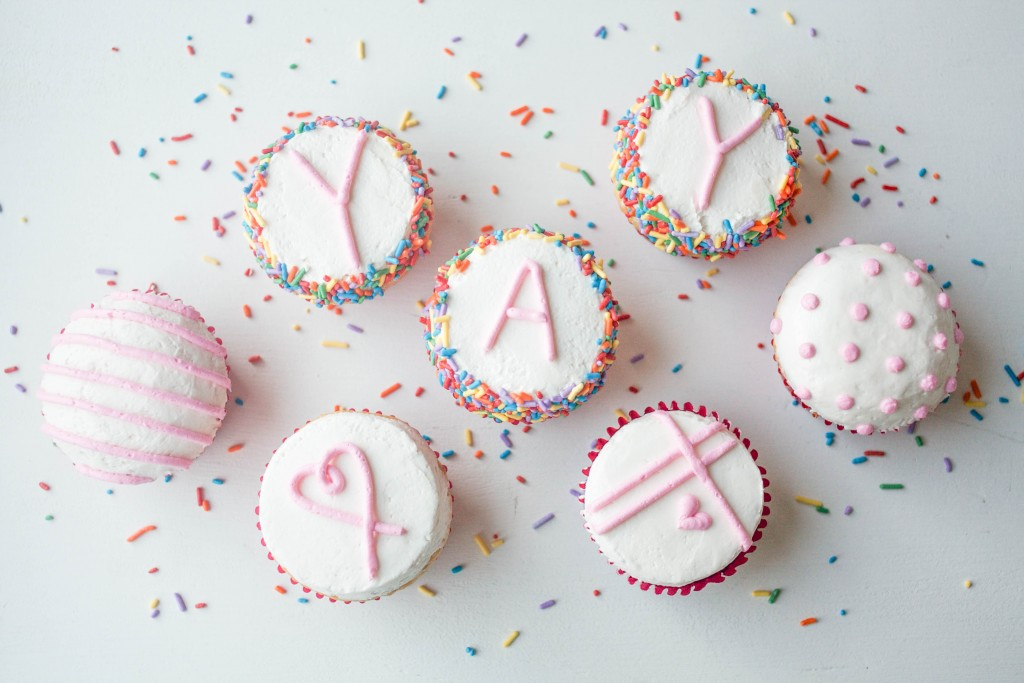 Flat Top Buttercream Iced Cupcakes | Erin Gardner | Craftsy
