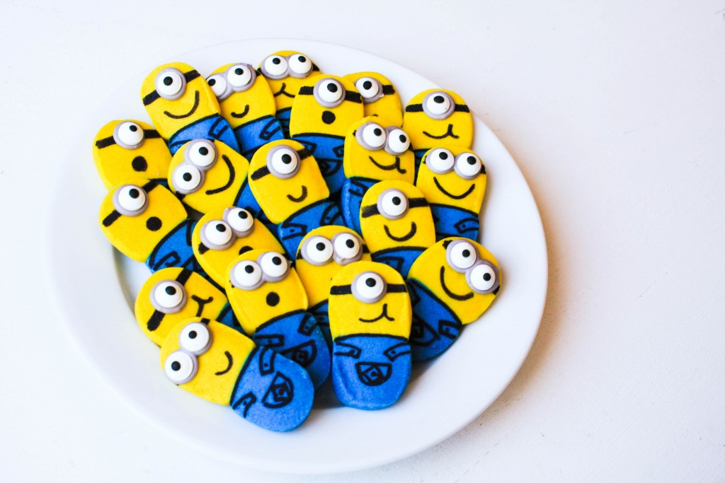 Easy Minion Cookies | Erin Bakes