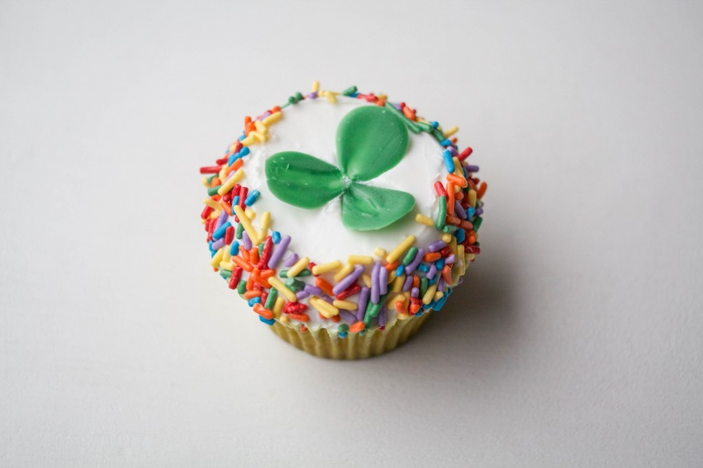 How to Make a Chocolate Shamrock | ErinBakes.com