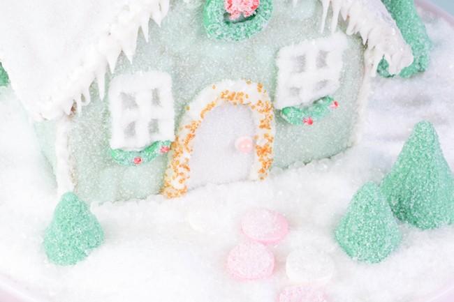 Putz Inspired Gingerbread House Erin Gardner on ErinBakes.com