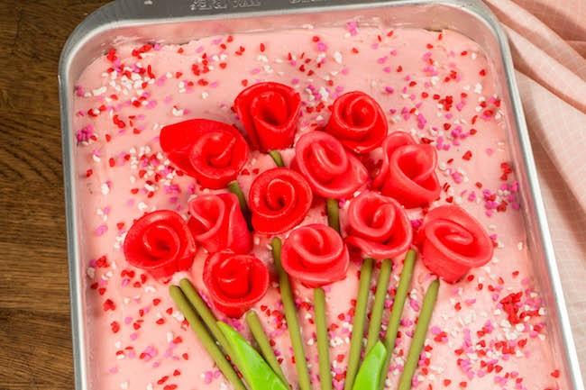 AirHead Roses on a Sheet Cake | Erin Gardner | Erin Bakes