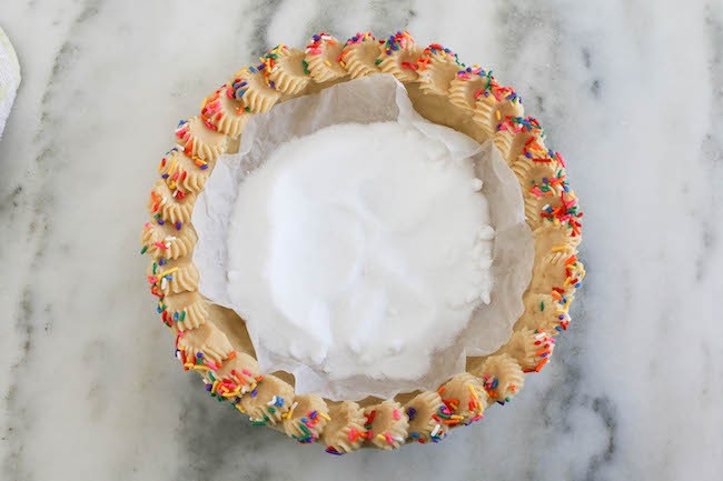 Adding Pie Weights to the Butter Cookie Pie Crust | Erin Bakes
